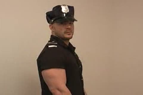 Muscle Cop