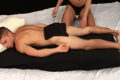 Paco Mlaticka receives Massage
