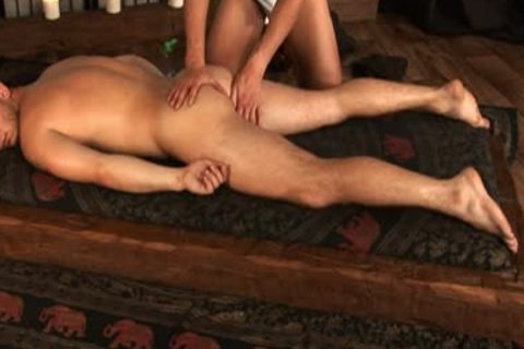 David Koral receives Massage