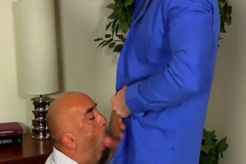 Shay Michaels bones His Annoying Boss Brian In His darksome hole