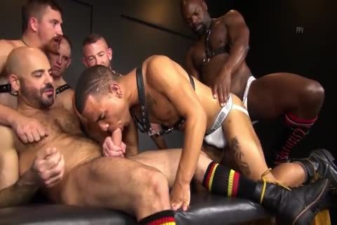 RR - juicy N raw Daddy gangbang!