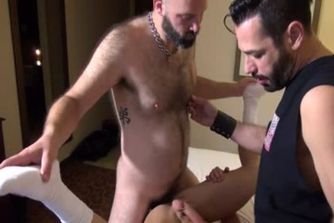 Muscle Bear ass poke And ejaculation