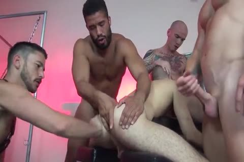 unprotected group-sex With Multiple Creampies