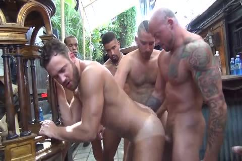 MusclePup Logan Moore receives group team-pounded & Barebacked plow