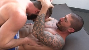 Predator - Johnny Hazzard and Jarec Wentworth butthole Hook up
