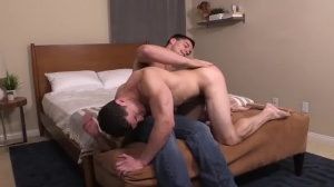 that dude Likes It coarse & raw - love juice In face hole Love