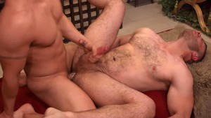 Gods Of Men - Athletic Diego Reyes with Noel Santoro threesome