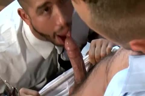 Trey Turner And Jessie Colter Have A tight nail In The Office